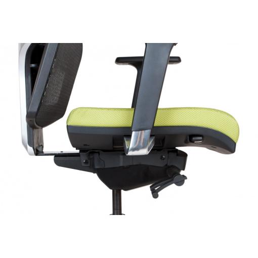 Síťovaná židle Emagra X5H - detail posunu sedáku (vysunutý sedák)