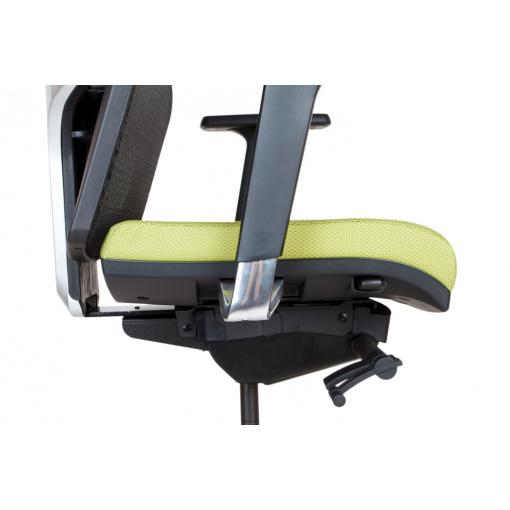 Síťovaná židle Emagra X5H - detail posunu sedáku (nevysunutý sedák)